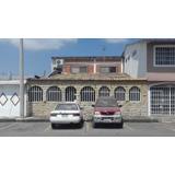 Villa 4 Dormitorios  Con Dpto Independiente En Planta Alta