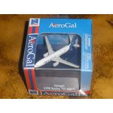 Avion A Escala Aerogal B737-800 De Paquete