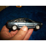 Antiguo Auto De Hierro, Audi A8 Escala 1/44