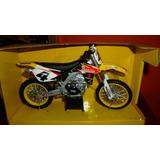 Moto Suzuki Makita Escala 1/12.
