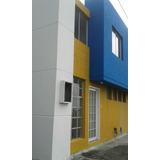 Casa De Dos Plantas De Tres Dormitorios En Conjunto
