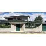 Casa De 5 Dormitorios, 6 Baños, De 550mts De Construcción