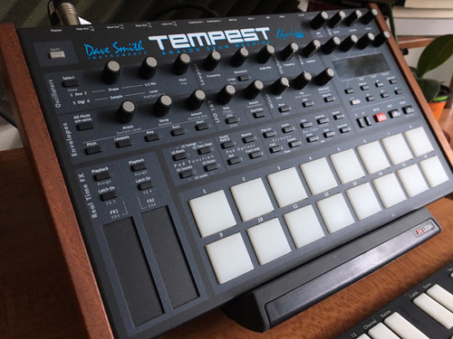 Dave Smith Tempest. Analog Drum Mashi E