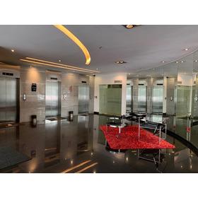 Oficina En Hermoso  Edificio De La Republica Del Salvador