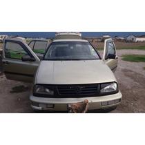 Vendo Volkswaguen Vento Motor 1800 Del 96 Buenas Condiciones